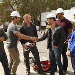 """AMERICAN DREAM BUILDERS -- """"Build Week"""" Episode 102 -- Pictured: (l-r) Jay Riordan, Darren Moore, Andrew Flesher, Nate Berkus, Eddie George, Monica Pedersen -- (Photo by: Vivian Zink/NBC)"""