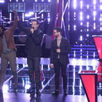 """THE VOICE -- """"Battle Round 2"""" Episode 611 -- Pictured: (l-r) Delvin Choice, Carson Daly, Josh Kaufman -- (Photo by: Tyler Golden/NBC)"""