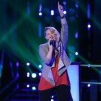 """THE VOICE -- """"Battle Round 2"""" Episode 613 -- Pictured: Dani Moz  -- (Photo by: Tyler Golden/NBC)"""