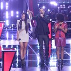 "THE VOICE -- ""Battle Round 2"" Episode 613 -- Pictured: (l-r) Melissa Jimenez, Carson Daly, Musicbox / Ayesha Brooks  -- (Photo by: Tyler Golden/NBC)"
