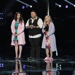 """THE VOICE -- """"Playoffs BTS"""" -- Pictured: (l-r)  -- (Photo by: Sara Terry/NBC)"""