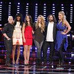 "THE VOICE -- ""Playoffs"" -- Pictured: (l-r) Kristen Merlin, Deja Hall, Tess Boyer, Shakira, Patrick Thomson, Dani Moz  -- (Photo by: Trae Patton/NBC)"