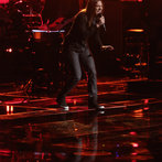 """THE VOICE -- """"Playoffs"""" -- Pictured: Stevie Jo -- (Photo by: Tyler Golden/NBC)"""