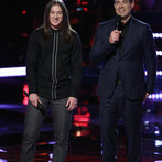 """THE VOICE -- """"Playoffs"""" -- Pictured: (l-r) Stevie Jo, Carson Daly -- (Photo by: Tyler Golden/NBC)"""