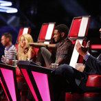 "THE VOICE -- ""Live Show"" -- Pictured: (l-r) Adam Levine, Shakira, Usher, Blake Shelton  -- (Photo by: Trae Patton/NBC)"