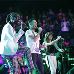 "THE VOICE -- ""Live Show"" -- Pictured: (l-r) Delvin Choice, Adam Levine, Christina Grimmie -- (Photo by: Trae Patton/NBC)"