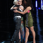 """THE VOICE -- """"Live Show"""" -- Pictured: (l-r) Kristen Merlin, Dani Moz, Tess Boyer -- (Photo by: Tyler Golden/NBC)"""