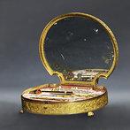Giroux Sewing Kit (circa 1820)