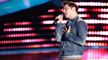 "Joe Vivona Blind Audition: ""Dreaming with a Broken Heart"""