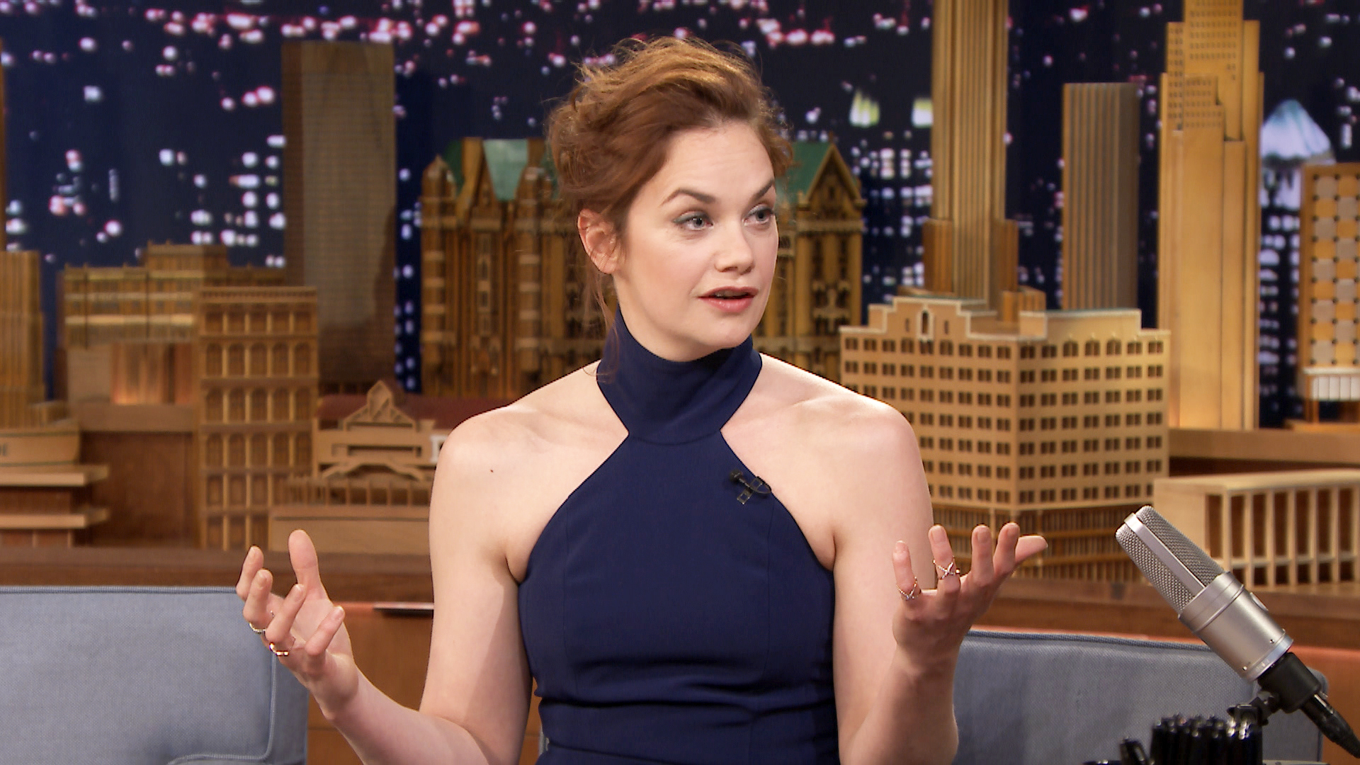 Ruth Wilson Re-Enacts ...
