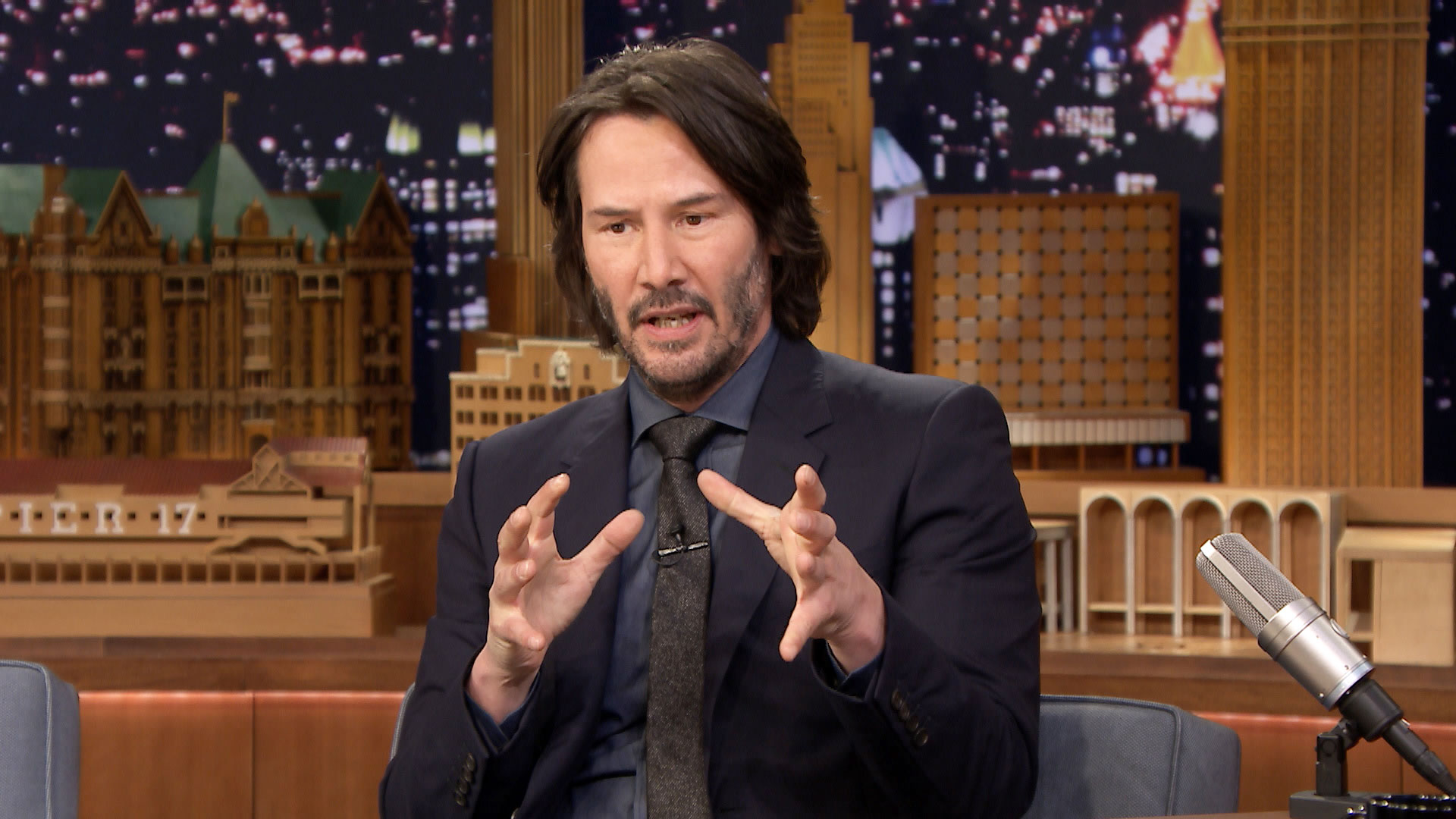 Keanu Reeves Is a Come...