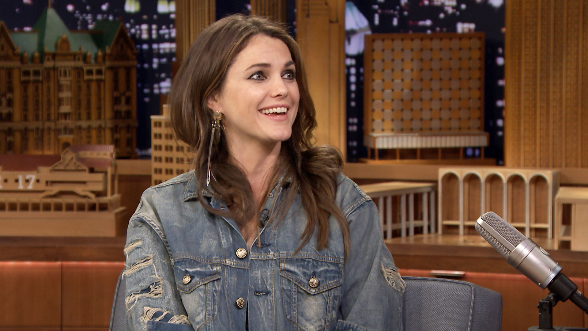 Tom Cruise's Hot Tip for Keri Russell's Hair Catching Fire ...