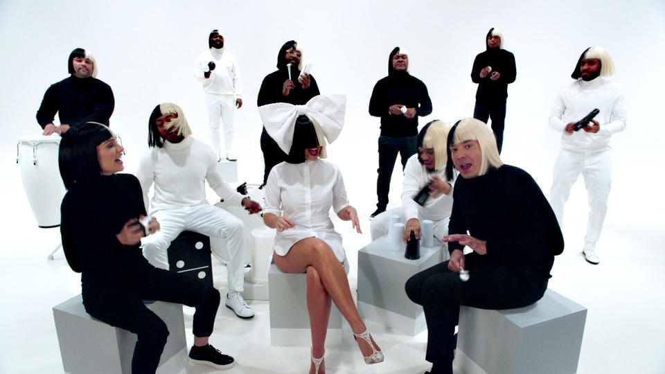 "Jimmy Fallon, Sia, Natalie Portman & The Roots Sing ""Iko Iko"""
