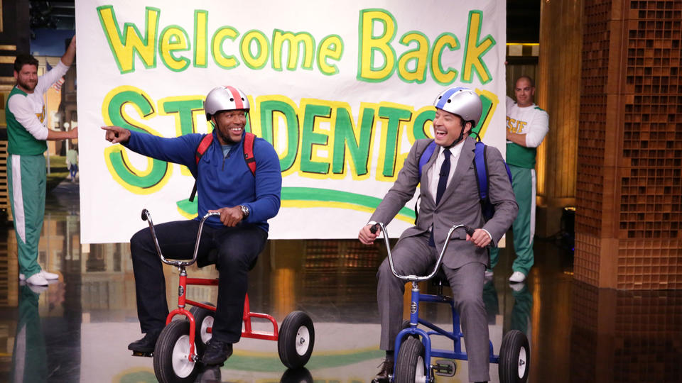 Giant Tricycle Race with Michael Strahan