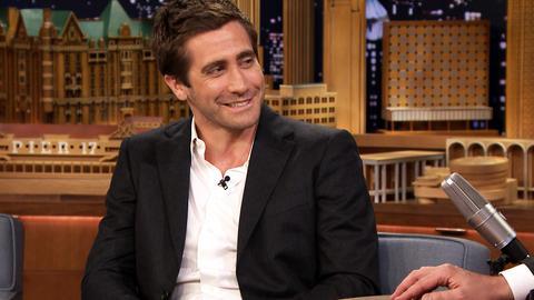 Jake Gyllenhaal Critiques His Sister's Performances