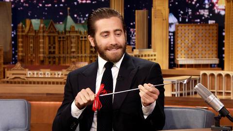 Jimmy Gifts Jake Gyllenhaal an Uncouth Backscratcher