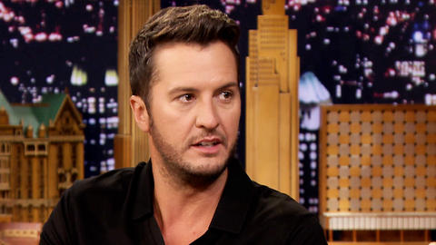 Luke Bryan Left Chris Meloni Hanging in a High-Five Diss