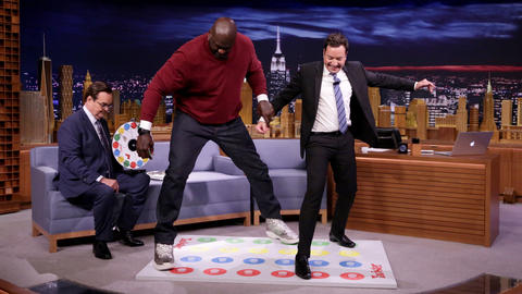 Jell-O Shot Twister with Shaquille O'Neal