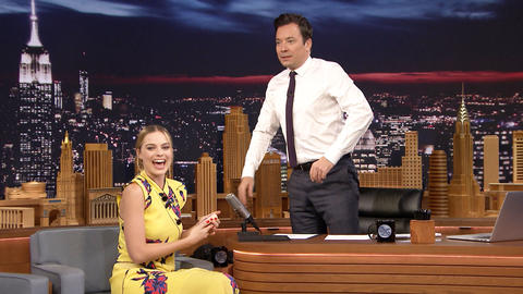 Margot Robbie Gives Jimmy a Temporary Tattoo