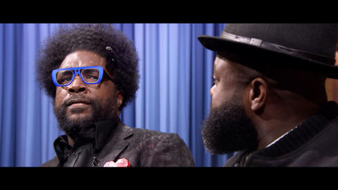 The Roots Reenact Bachelor Nick Viall Getting Choked