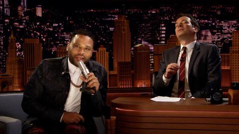 """Anthony Anderson Sings His Karaoke Jam """"Me and Mrs. Jones"""""""