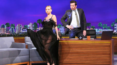 Nicole Richie and Jimmy Have a Model-Off Mid-Interview