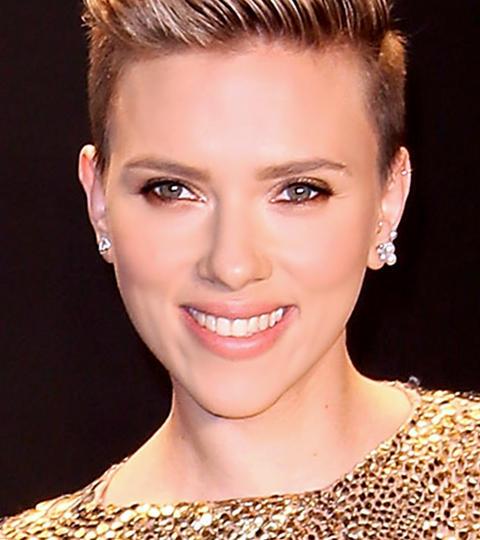 Scarlett Johansson Guests on The Tonight Show Starring ... Scarlett Johansson