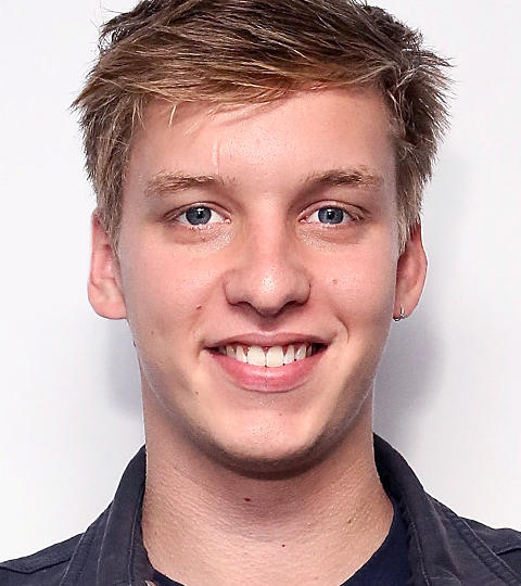 george ezra how tall