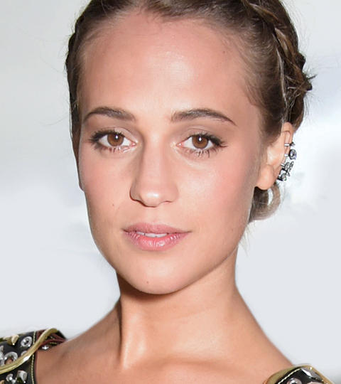 alicia vikander guests on the tonight show starring jimmy