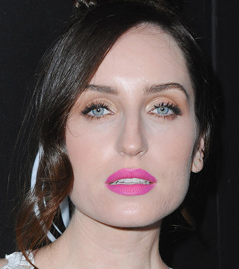 zoe lister jones looks like