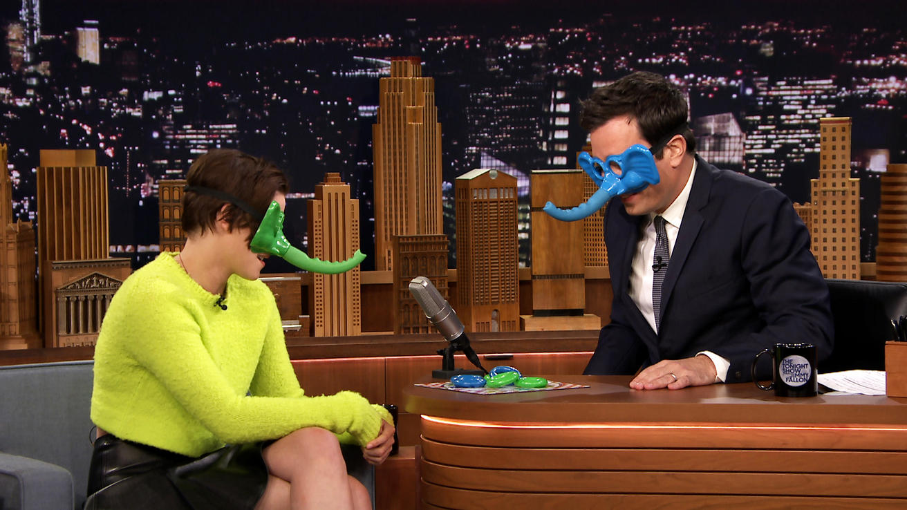 Kristen stewart plays ring around the nosey video the tonight show